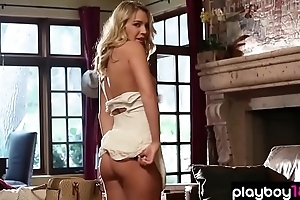 Real american blonde beauty shows her perfect body