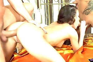 Cum drenched anal loving chick fucked