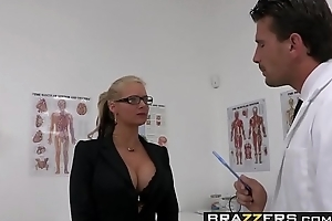 Dirty milf (Phoenix Marie) wants that Doctor Cock and she wants it rough - BRAZZERS