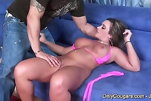Thick &amp_ Curvy MILF Vanessa Lee Rides Flannel Doggystyle