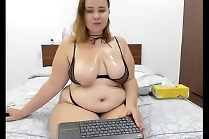 Cam quality is ridiculous but she looks like a worthy fuck