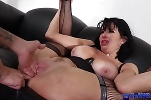 Milf boss gets facial after fucking in the office