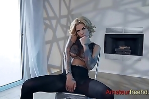Lap Dance Fap (go to the link to watch the full video)