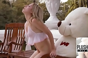 Teen girl Tracy fucked by ritch teddy bear at be imparted to murder  villa in a jungle of Bermuda