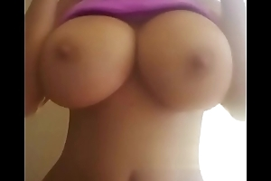 Latina flash say no to big boobs on cam - Jizzy.org